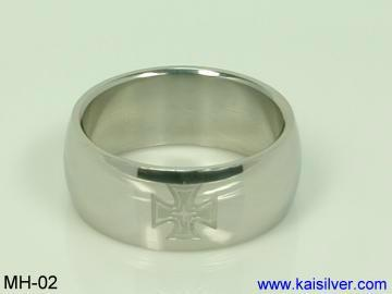 man cross wedding rings